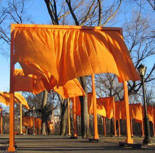 केशरिया द्वारों में सराबोर न्यूयॉर्क का सेंट्रल पार्क